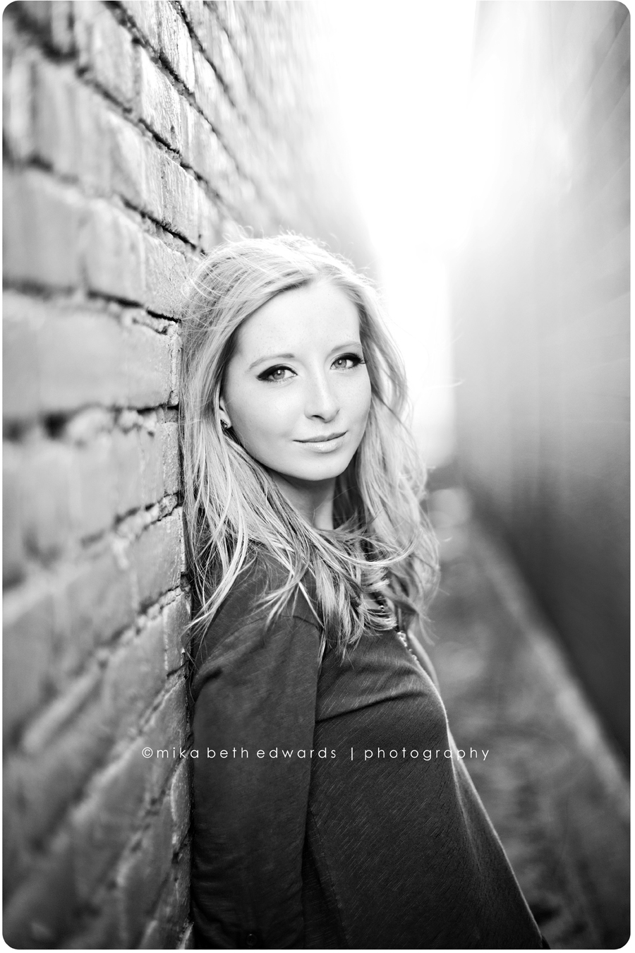 Portrait Photography, Brick Wall, Headshot Pose ...